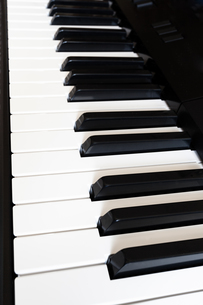 side view keyboard of digital pianoの写真素材 [FYI00643225]