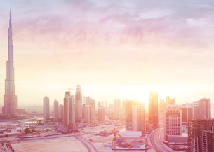 Beautiful sunset over Dubai cityの写真素材 [FYI00643247]
