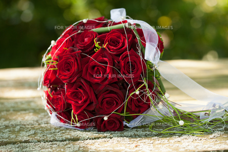 bridal bouquet,red rosesの写真素材 [FYI00643569]