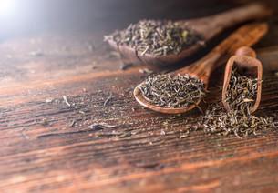 Dry tea leavesの写真素材 [FYI00644299]