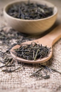 Dry tea leavesの写真素材 [FYI00644314]