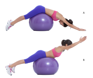 Swiss ball back extensionの写真素材 [FYI00644320]