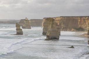 Twelve Apostles on Great Ocean Road, Australia.の素材 [FYI00644540]