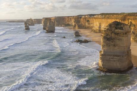 Twelve Apostles on Great Ocean Road, Australia.の素材 [FYI00644549]