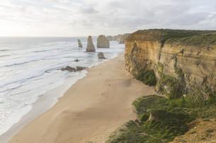Twelve Apostles on Great Ocean Road, Australia.の素材 [FYI00644551]