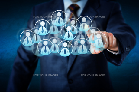 Manager Selecting Human Resources In The Cloudの写真素材 [FYI00644559]
