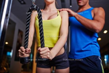 Pull exerciseの素材 [FYI00644908]