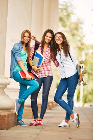 Teenage friendsの写真素材 [FYI00644989]