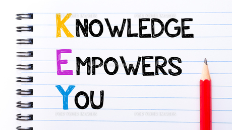 KEY as Knowledge Empowers You Textの写真素材 [FYI00645046]