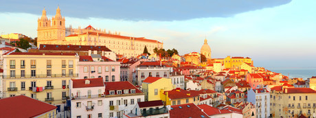 Lisbon Old Town at sunsetの写真素材 [FYI00645115]