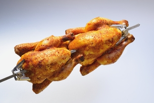 grilled chicken on a skewerの写真素材 [FYI00645126]