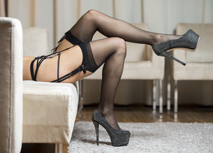Legs with stockings and high heels shoesの写真素材 [FYI00645208]