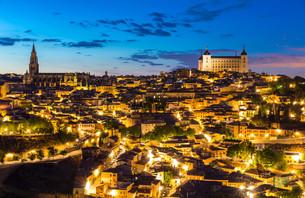 Toledo at dusk Spainの写真素材 [FYI00645334]