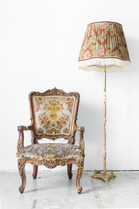 Retro Chair with lampの写真素材 [FYI00645344]