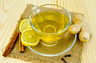Tea ginger on a napkin burlapの写真素材 [FYI00645468]