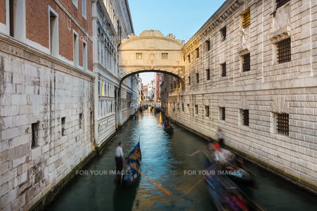 Bridge of Sighs, Venice, Italy.の写真素材 [FYI00645542]