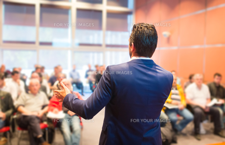 Speaker at Business Conference and Presentation.の写真素材 [FYI00645591]