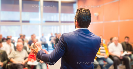 Speaker at Business Conference and Presentation.の写真素材 [FYI00645596]