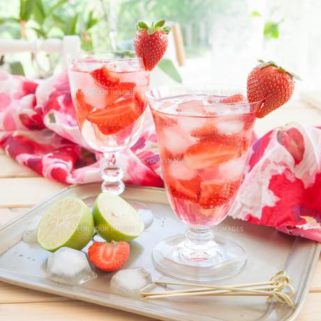 homemade strawberry punchの素材 [FYI00645712]