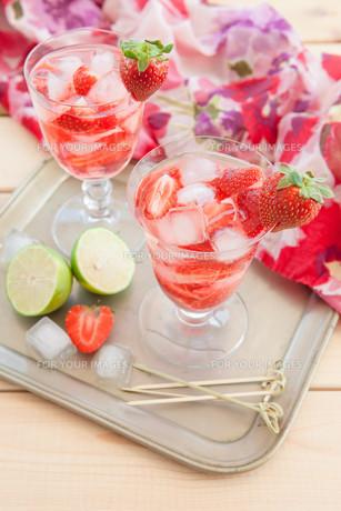 homemade strawberry punchの素材 [FYI00645713]