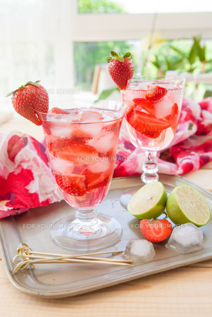 homemade strawberry punchの素材 [FYI00645714]