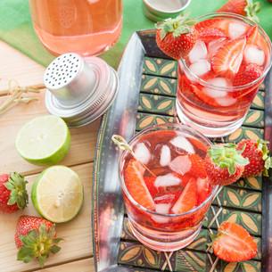 homemade strawberry punchの素材 [FYI00645717]