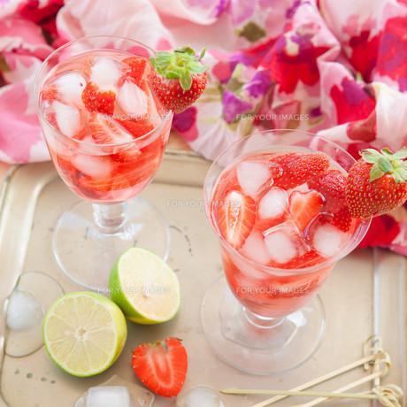 homemade strawberry punchの素材 [FYI00645719]