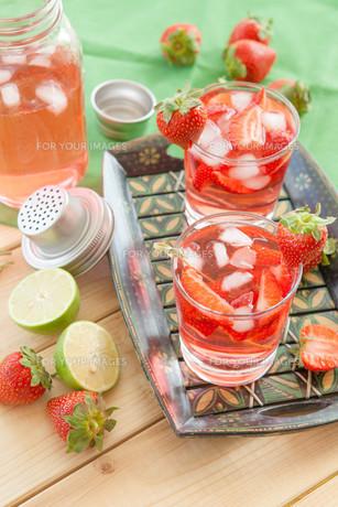 homemade strawberry punchの素材 [FYI00645720]