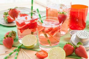 homemade strawberry punchの素材 [FYI00645722]