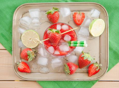 homemade strawberry punchの素材 [FYI00645723]