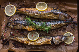 Baked Fish on a Roaster Panの写真素材 [FYI00645789]