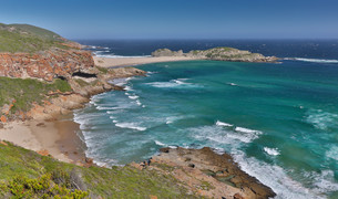 Beautiful Coastaline and Ocean in South Africaの写真素材 [FYI00645850]