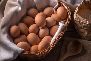 Brown eggsの写真素材 [FYI00645877]