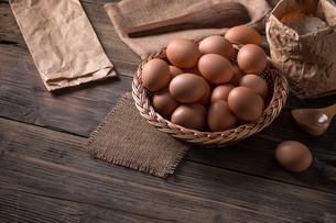 Brown eggsの写真素材 [FYI00645878]