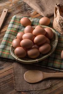 Fresh brown eggsの写真素材 [FYI00645879]