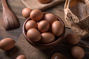 Brown eggsの写真素材 [FYI00645880]