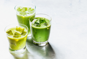 Healthy Green Smoothie Shakes in Drinking Glassesの写真素材 [FYI00645906]