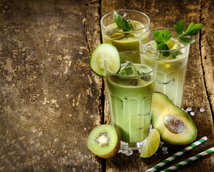Healthy Green Smoothie Shakes with Raw Ingredientsの写真素材 [FYI00645910]