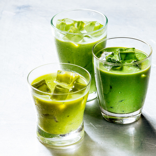 Three Glasses of Healthy Green Smoothie Shakesの写真素材 [FYI00645914]