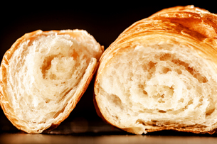 Inside of Croissant Bread Placed on the Tableの写真素材 [FYI00645936]
