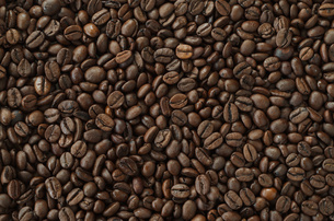 Roasted coffee beans, background textureの写真素材 [FYI00646118]