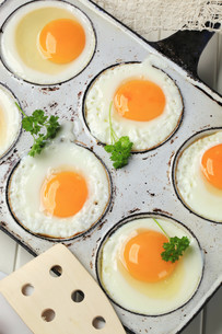 Fried sunny side up eggsの写真素材 [FYI00646142]
