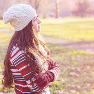 Beautiful Happy Smiling Girl Outdoorの写真素材 [FYI00646266]