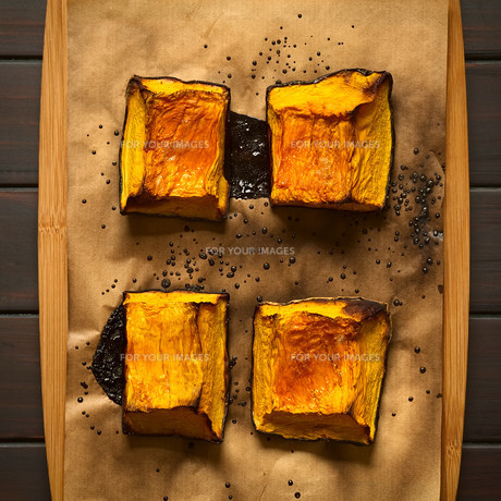 Sweet Baked Pumpkin Piecesの写真素材 [FYI00646376]