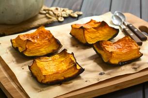 Sweet Baked Pumpkin Piecesの写真素材 [FYI00646379]