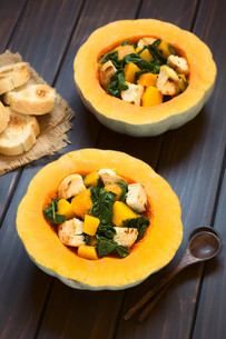 Pumpkin and Chard Salad with Croutonsの写真素材 [FYI00646382]