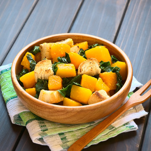 Pumpkin and Chard Salad with Croutonsの写真素材 [FYI00646385]