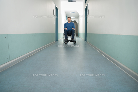 Portrait Of A Disabled Manの写真素材 [FYI00646456]