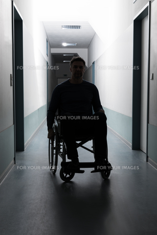 Disabled Man In Hospitalの写真素材 [FYI00646469]