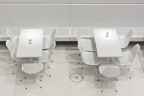 White Table and Chairsの素材 [FYI00646616]